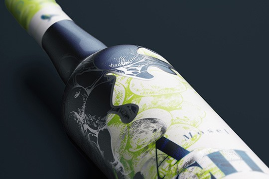 Flaschenetikett mit Spiegelfolie | Bottle label with mirror film
